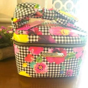 Nwt BETSEY JOHNSON BOW TOP TRAIN CASE